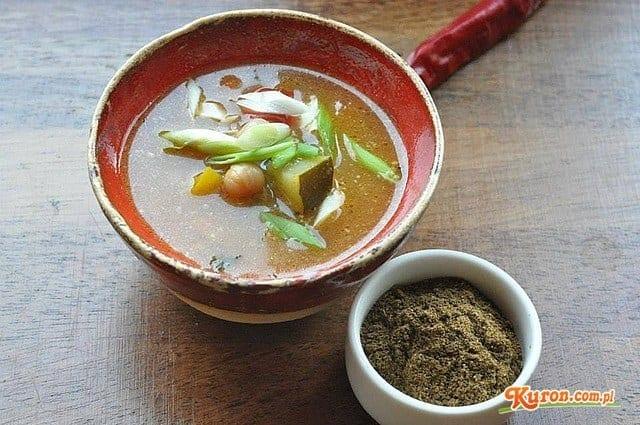 Indyjska zupa vege