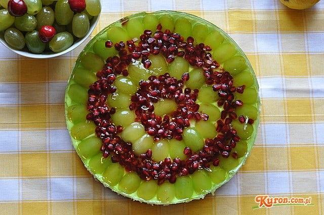 Sernik na zimno z granatem i winogronami