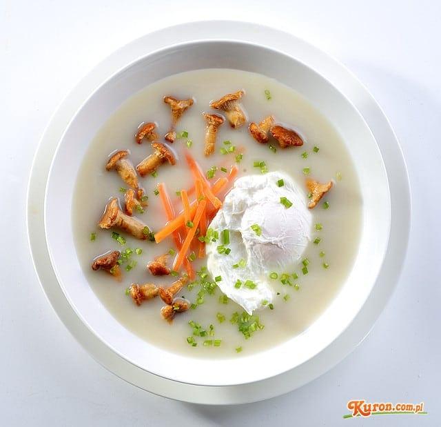 Zupa kurkowa z jajkiem poche