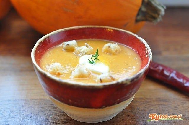Krem z dyni z suszonym chilli i tymiankiem