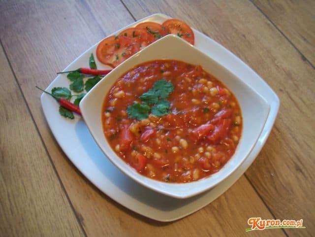 Zupa fasolowa na ostro