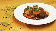 Gulasz wołowy z fasolą i pomidorami
