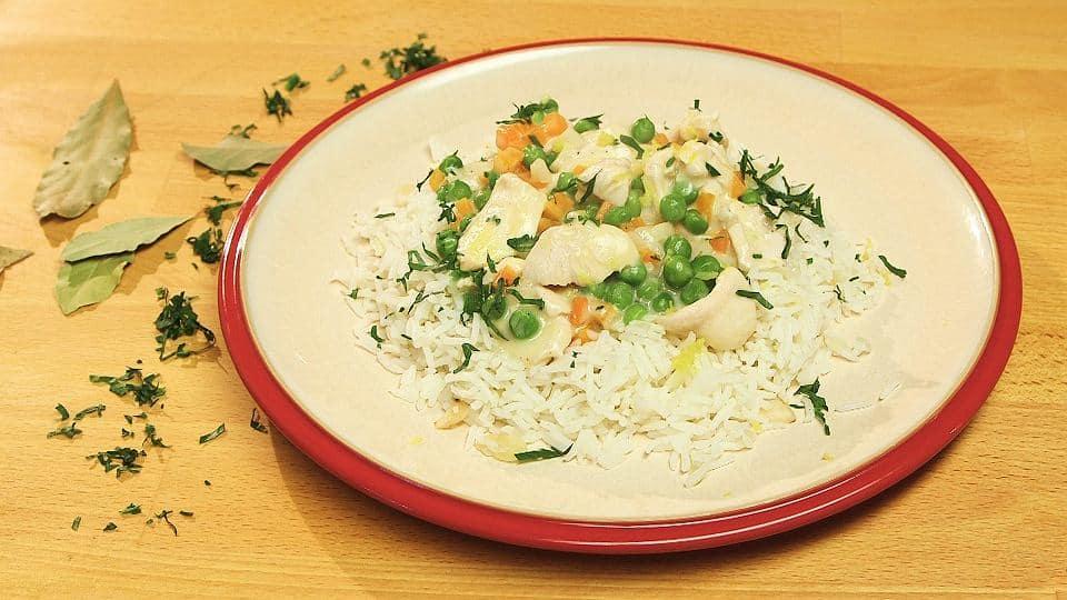 Potrawka z kurczaka z zielonym groszkiem