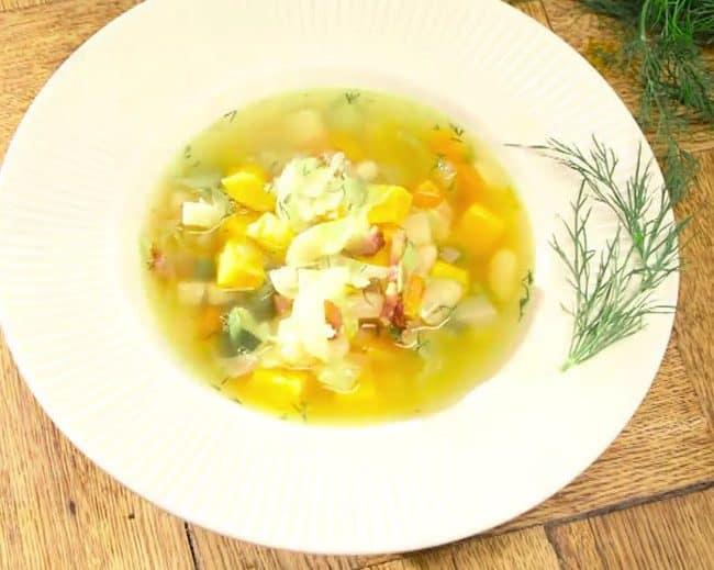 Zupa z młodej kapusty z batatem