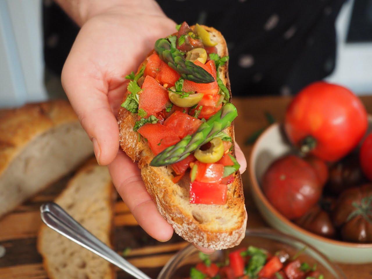 Grzanka z pomidorami