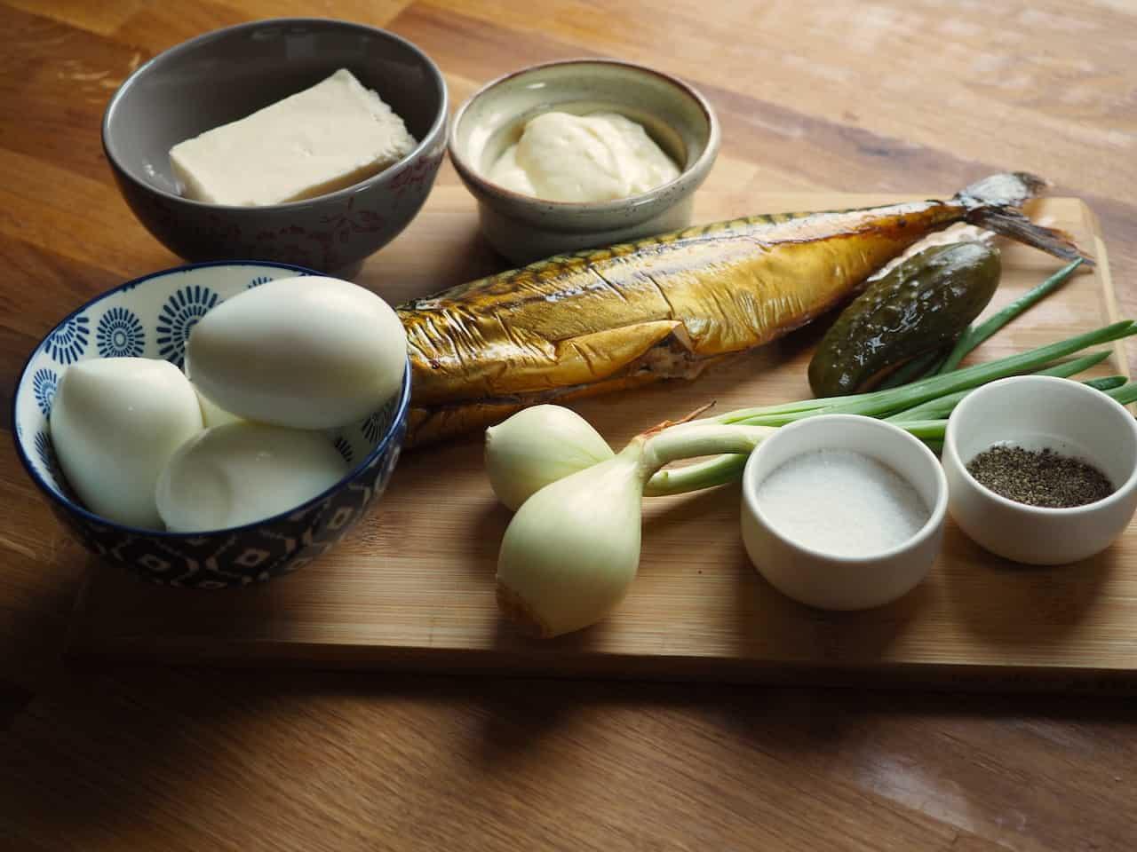 Pasta jajeczna z wędzoną makrelą