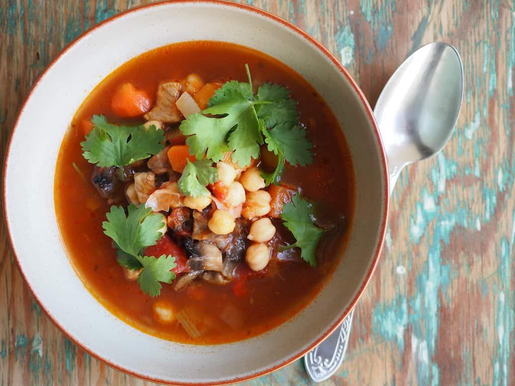 Zupa warzywna z cieciorką