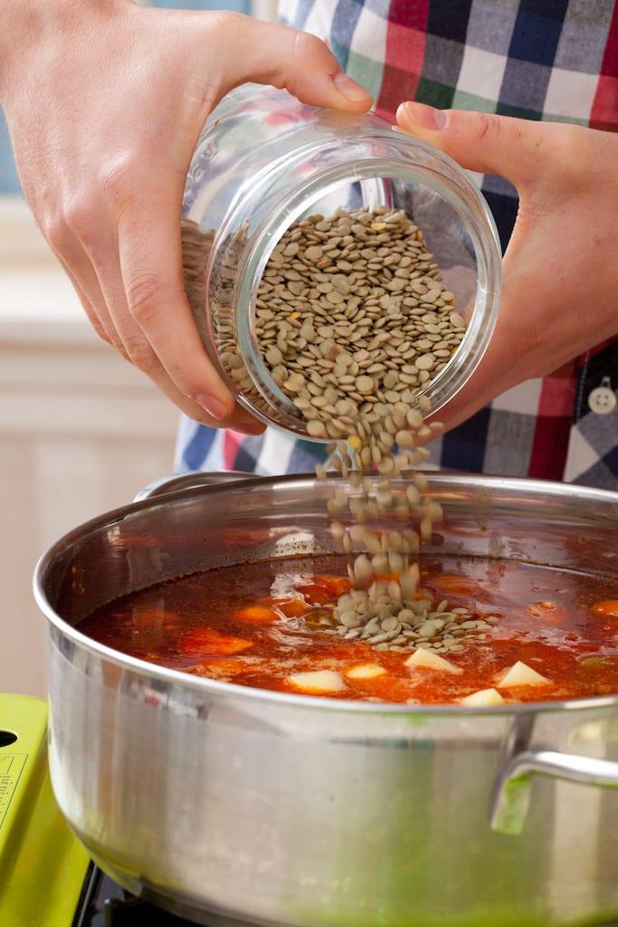 Zupa z soczewicy z chorizo (Lentejas)