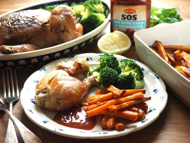 Kurczak pieczony z czosnkiem i ziołami