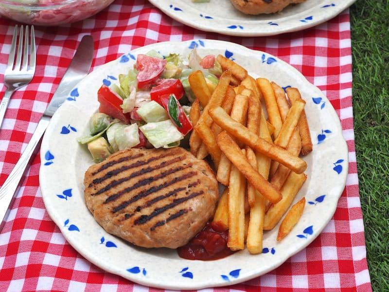 Pikantne burgery wieprzowe z grilla