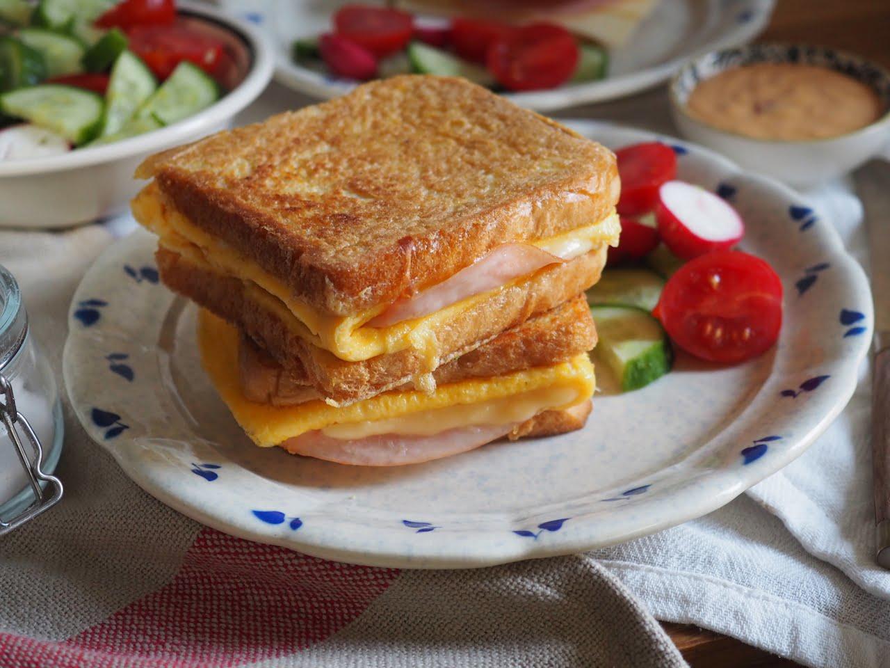 tost z omletem