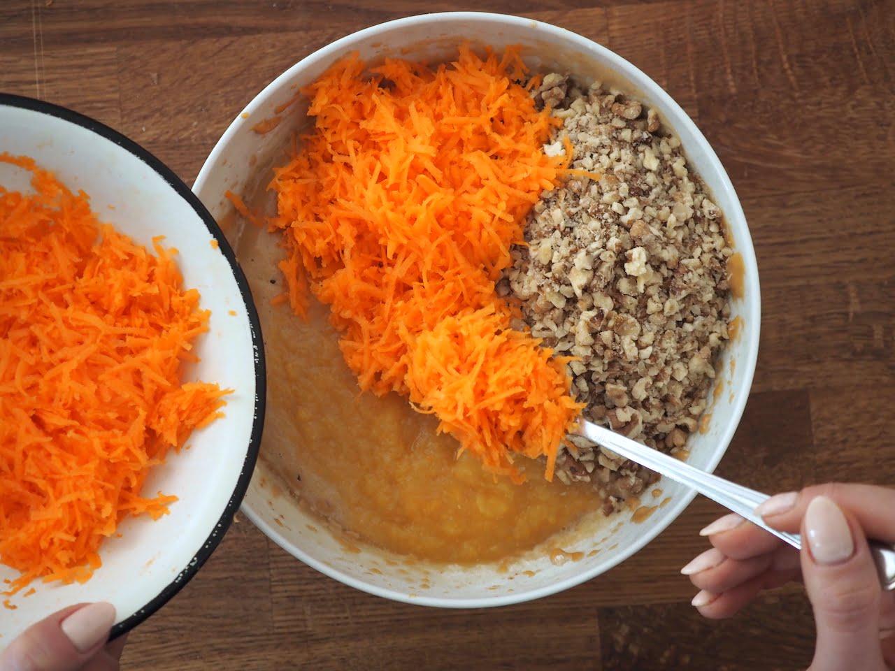 Jak przygotować ciasto marchewkowe