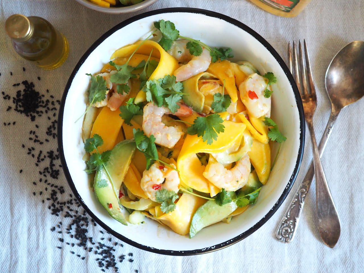 Sałatka z mango i krewetkami