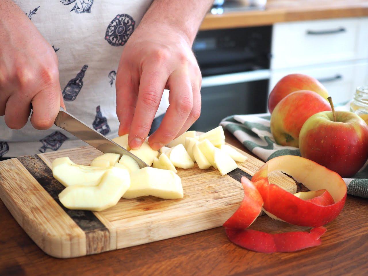 jaglanka z prażonymi jabłkami