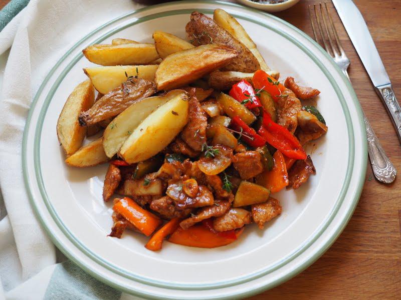 Wieprzowina smażona z warzywami