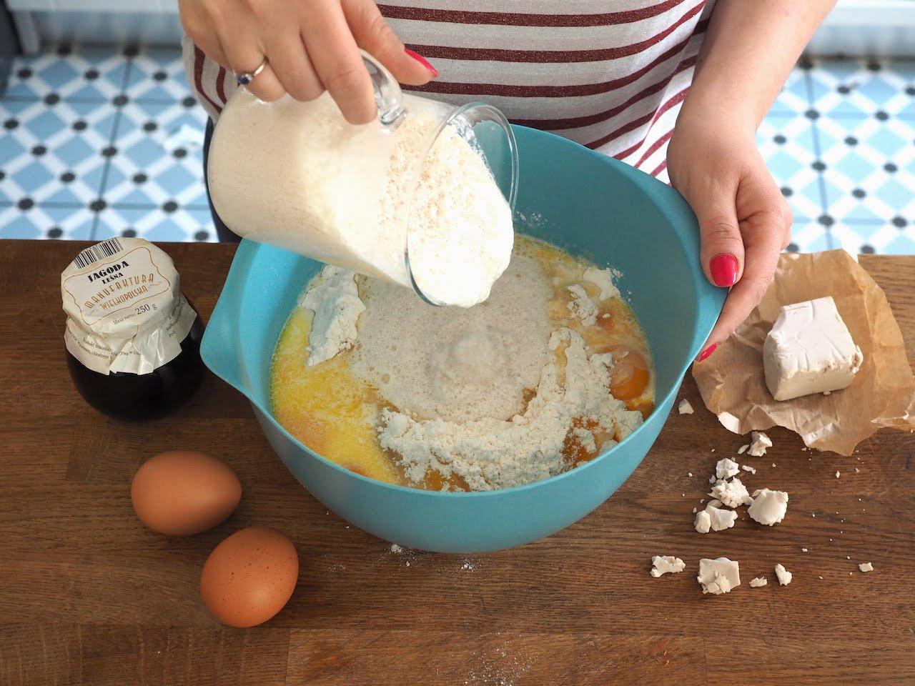Ciasto drożdżowe na bułki
