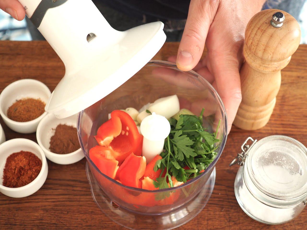 jak szybko posiekać warzywa