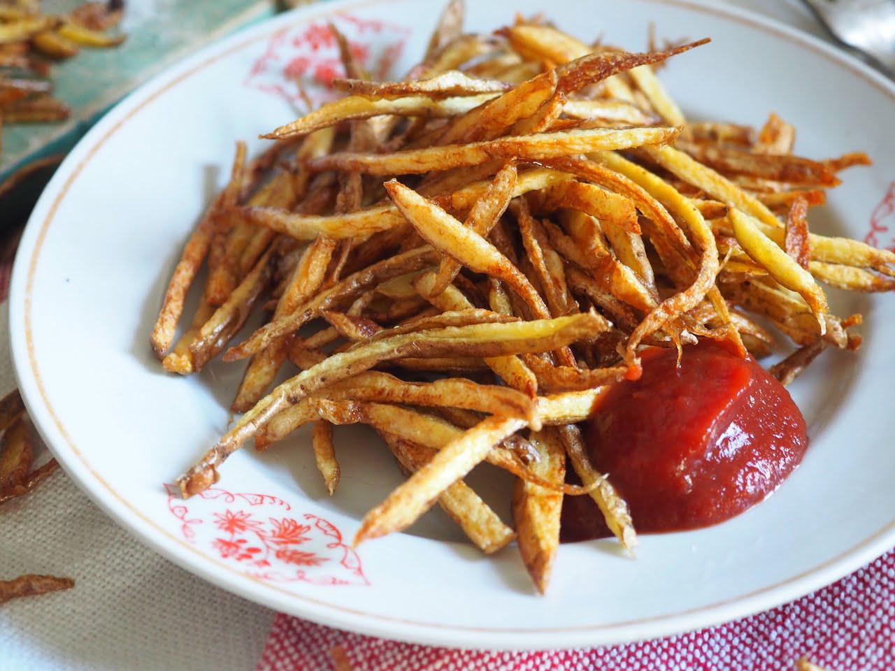 Frytki z obierek ziemniaków