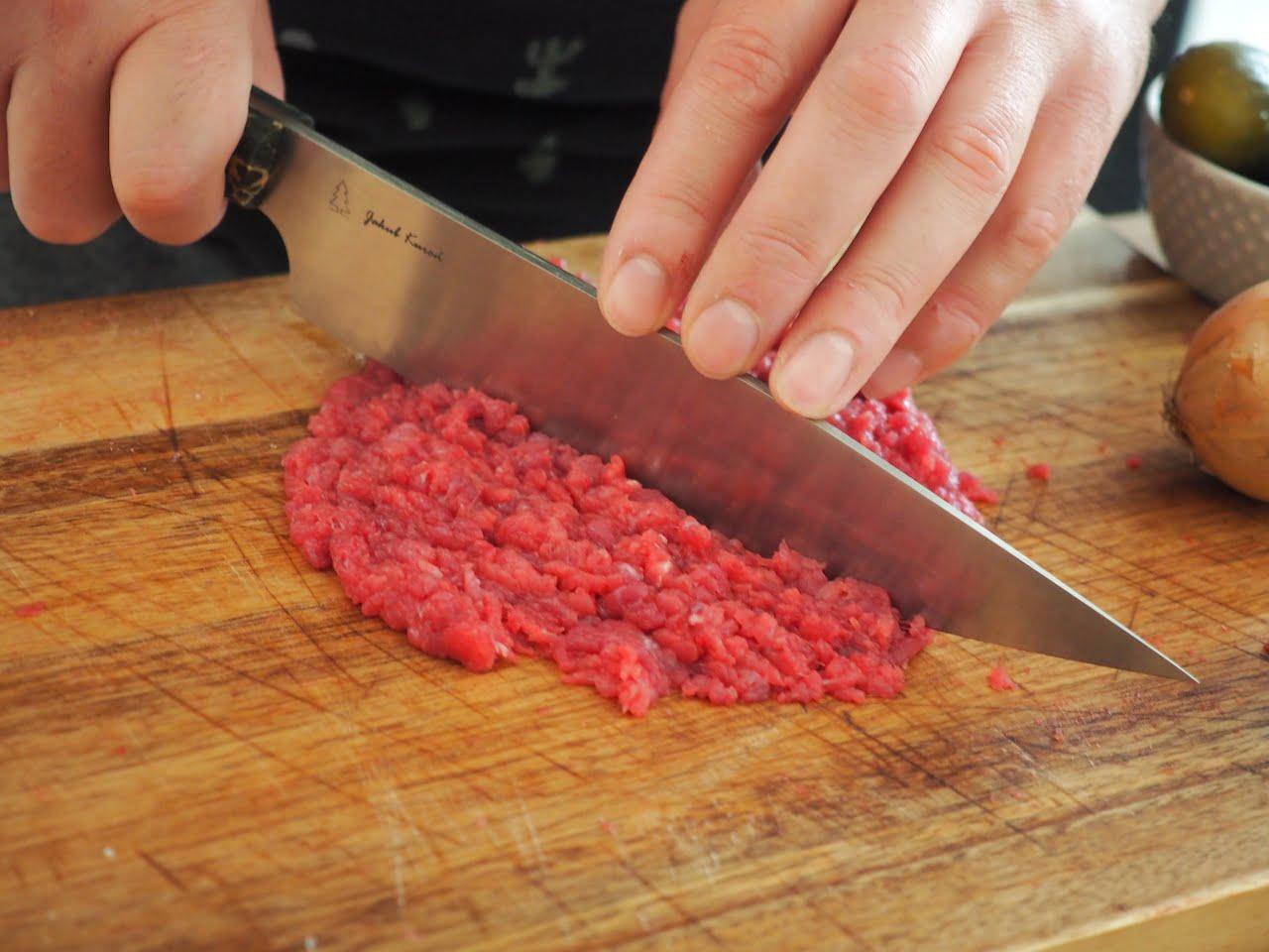 Jak siekać mięso na tatar wołowy