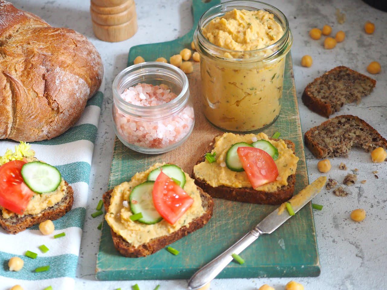 Pasta do kanapek z pieczonej pietruszki